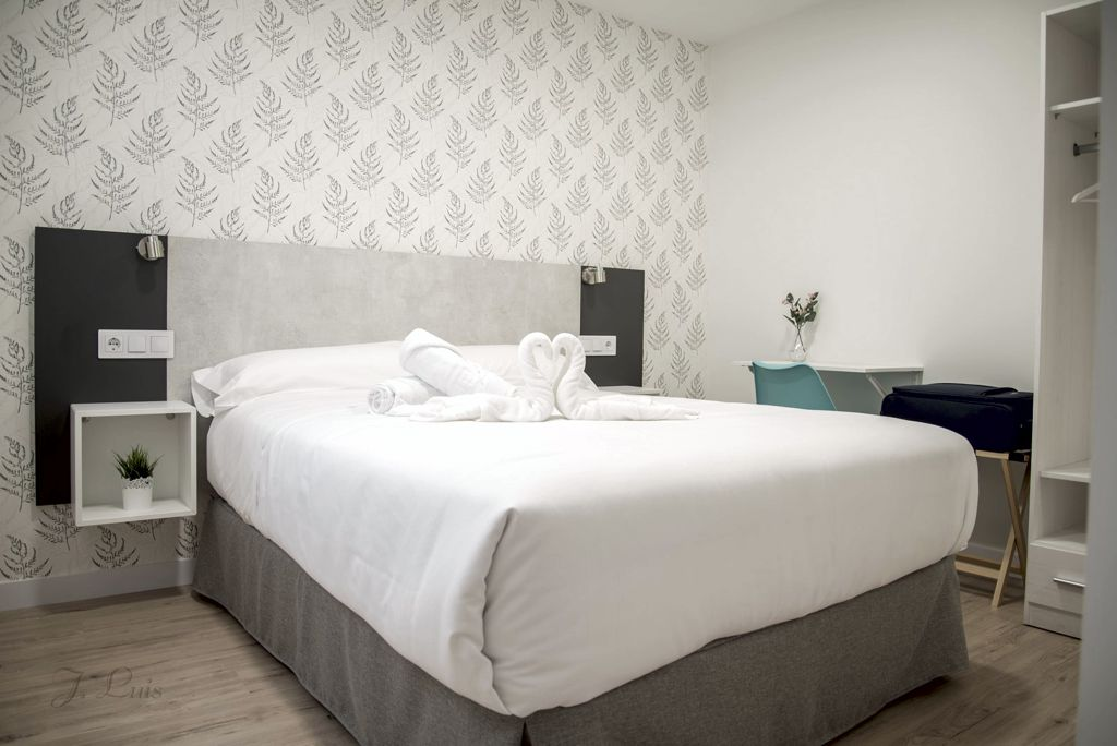 apartamentos-adarve-habitacion-1
