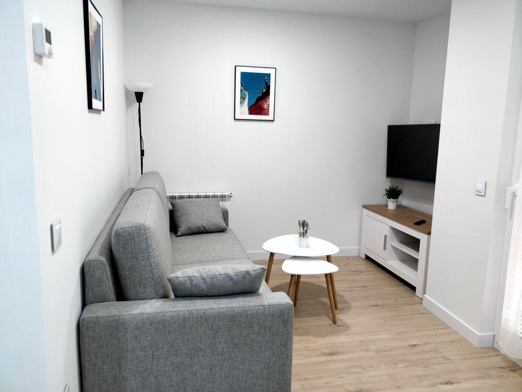 apartamentos-adarve-salon-television